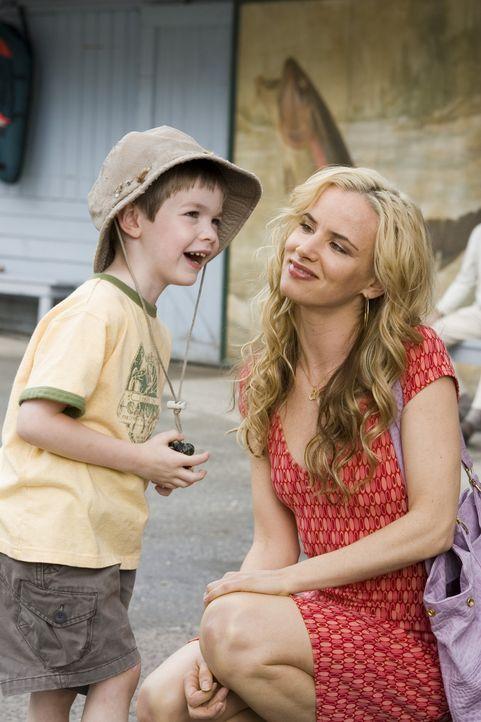 Nach dem Tod ihres Verlobten erfährt Gray von einem Sohn, der schon vor ihrer Zeit gezeugt worden sein soll. Doch als sie auf Maureen (Juliette Lew... - Bildquelle: Sony Pictures Television International