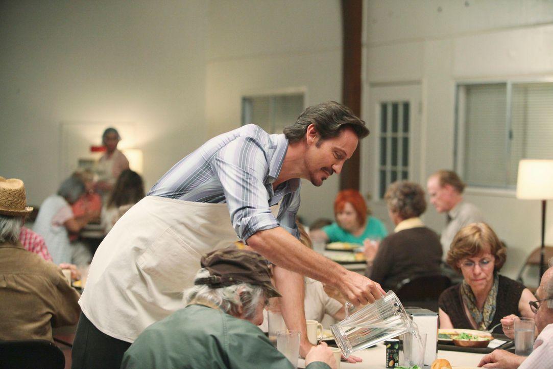 Ist Ben Faulkner (Charles Mesure) wirklich so sozial, wie er sich gegenüber Renee gibt? - Bildquelle: ABC Studios