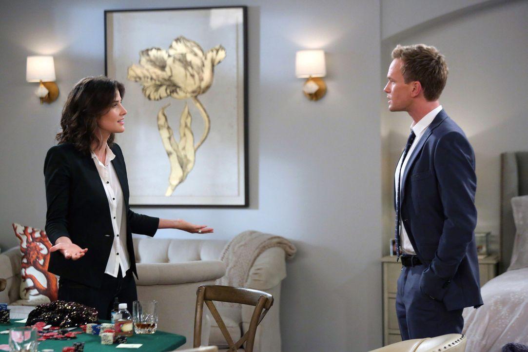 Als Barney (Neil Patrick Harris, r.) dazu gezwungen wird, bei einem Streit zwischen seiner Mutter und Robin (Cobie Smulders, l.) zu wählen, bringt L... - Bildquelle: 2013 Twentieth Century Fox Film Corporation. All rights reserved.