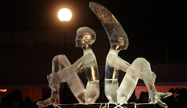 Eisskulpturen Festival - Bildquelle: dpa