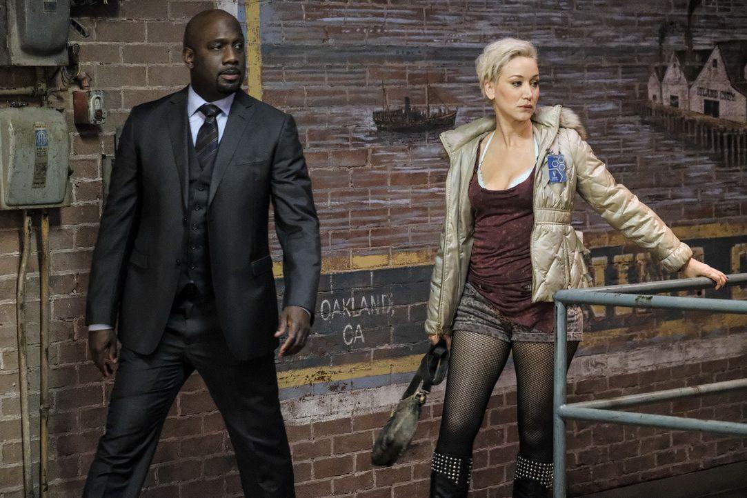Detective Cavanaugh (Richard T. Jones, l.); Destiny (Marina Benedict, r.) - Bildquelle: Darren Michaels Darren Michales   2017 CBS Broadcasting, Inc. All Rights Reserved.