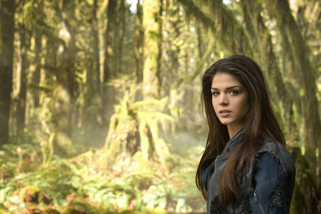(1. Staffel) - Als Zweitgeborene war Octavia Blake (Marie Avgeropoulos) auf dem Raumschiff nicht willkommen. Was hält das Schicksal auf der Erde für... - Bildquelle: Warner Brothers
