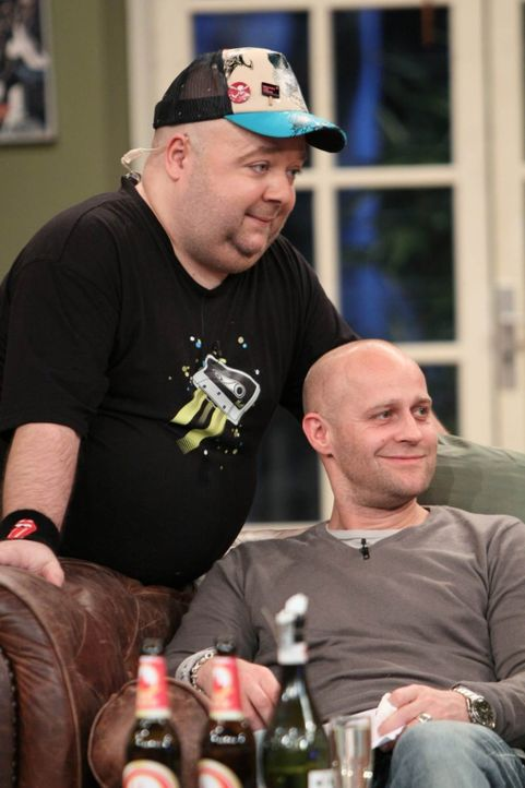Dirk (l.) und Jürgen (r.) haben Grund zu Feiern! - Bildquelle: Frank Hempel SAT 1
