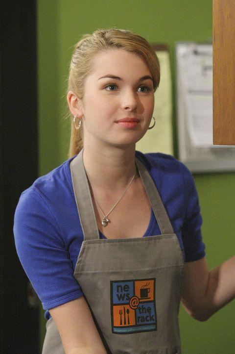 """Amanda (Kirsten Prout) hat ihren ersten Tag im Cafe und trifft dort auf Josh, der ausgerechnet an diesem Sonntag zum """"Chef für einen Tag"""" ernannt w... - Bildquelle: TOUCHSTONE TELEVISION"""