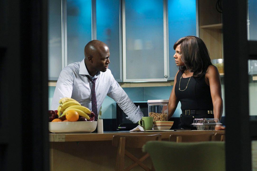 Die Beziehung von Sam (Taye Diggs, l.) und Addison wird auf die Probe gestellt, ebenso die Freundschaft mit Naomi (Audra McDonald, r.), die mehr Pro... - Bildquelle: ABC Studios
