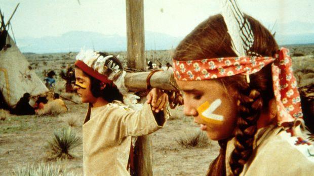 Nachdem die Indianer erkannt haben, dass Laura (Melissa Gilbert, r.) und Albe...