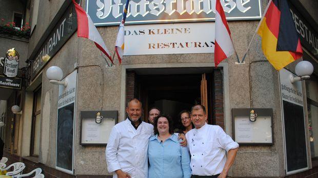 Jens (2.v.l.), Marion (M.), Angelika (2.v.r.) und Uwe (r.) von der