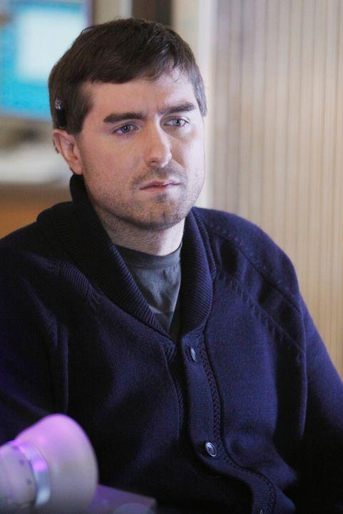 Dr. Fife (Michael Patrick Thornton) hat Colin einen armamputierten Afghanistankämpfer, als Patienten. Eine neuartige Prothese soll ihm ein Leben wie... - Bildquelle: ABC Studios