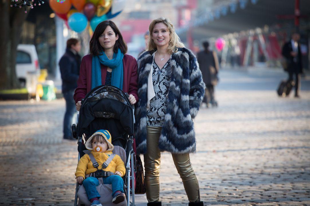 Eigentlich sollte der Tag auf dem Rummel für Adèle (Juliette Roudet, l.) und Jess (Diane Dassigny, r.) ein schöner werden, doch dann wird plötzlich... - Bildquelle: Eloïse Legay 2016 BEAUBOURG AUDIOVISUEL