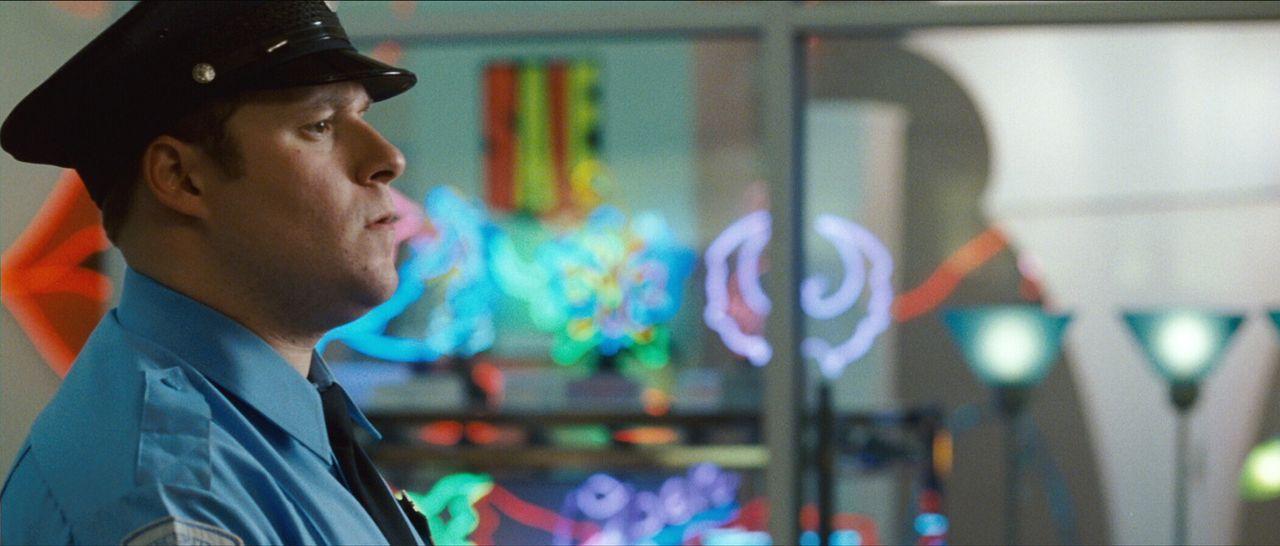 Als ein Flitzer im Einkaufszentrum sein Unwesen treibt, blüht Kaufhaus-Wachmann Ronnie (Seth Rogen) total auf. Denn wenn er der Polizei zuvorkommt... - Bildquelle: Warner Brothers
