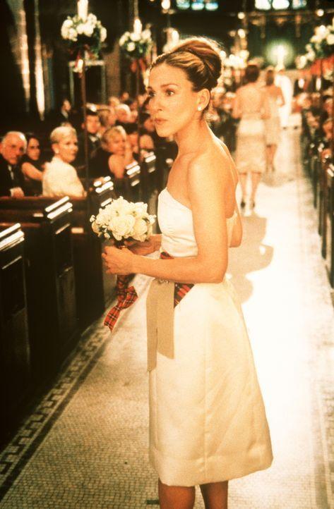 Vor dem Traualtar hat Carrie (Sarah Jessica Parker) als Brautjungfer noch eine wichtige Aufgabe zu bewältigen: Sie muss Charlotte den Zweifel an de... - Bildquelle: Paramount Pictures