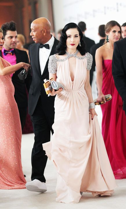 oscar-parties-dita-teese-12-02-26-getty-afpjpg 1199 x 1990 - Bildquelle: getty-AFP