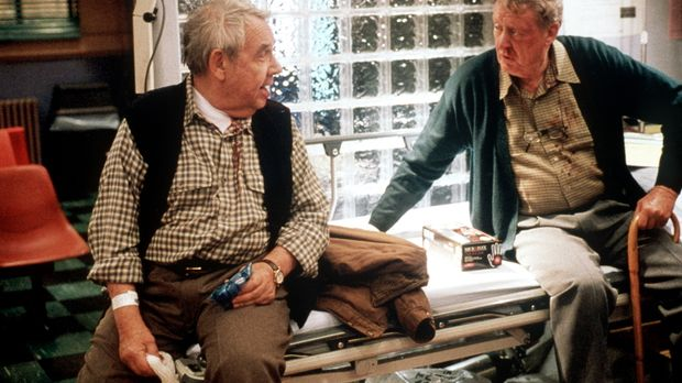 Die beiden Rauhbeine Earl (Tom Poston, l.) und Walter (Tom Bosley, r.) setzen...