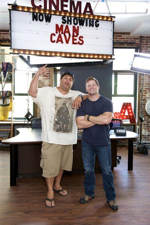 Bei ihrem neuesten Man Cave können sich Tony (l.) und Jason (r.) wieder so richtig austoben: Das Radio- und Fernsehstudio der Nick & Artie-Show soll... - Bildquelle: Anders Krusberg 2012,DIY Network/Scripps Networks, LLC. All Rights Reserved.