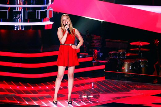 nele-03-the-voice-of-germany-staffel-2-epi05-showjpg 2100 x 1400 - Bildquelle...