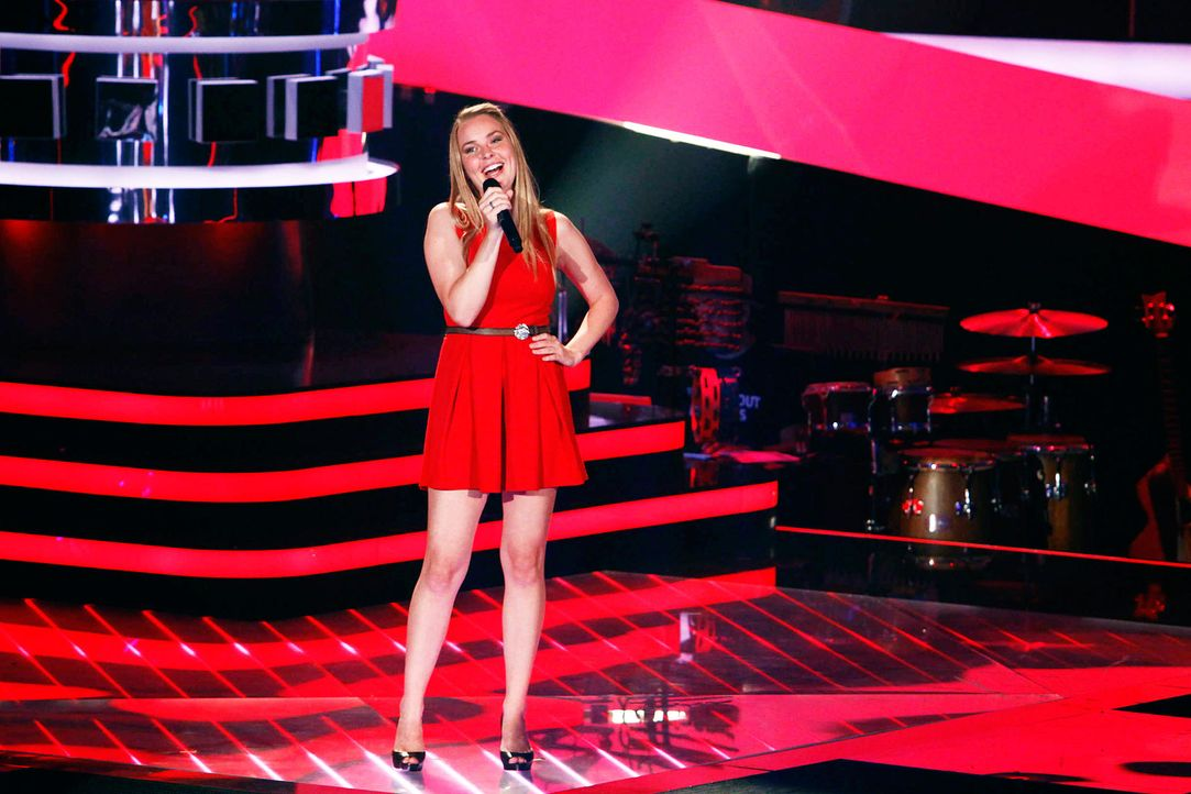 nele-03-the-voice-of-germany-staffel-2-epi05-showjpg 2100 x 1400 - Bildquelle: SAT.1/ProSieben/Richard Hübner