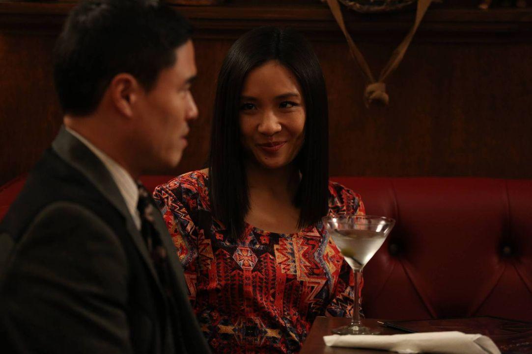 Haben sich endlich in Orlando eingelebt: Louis (Randall Park, l.) und Jessica (Constance Wu, r.) ... - Bildquelle: 2015 American Broadcasting Companies. All rights reserved.