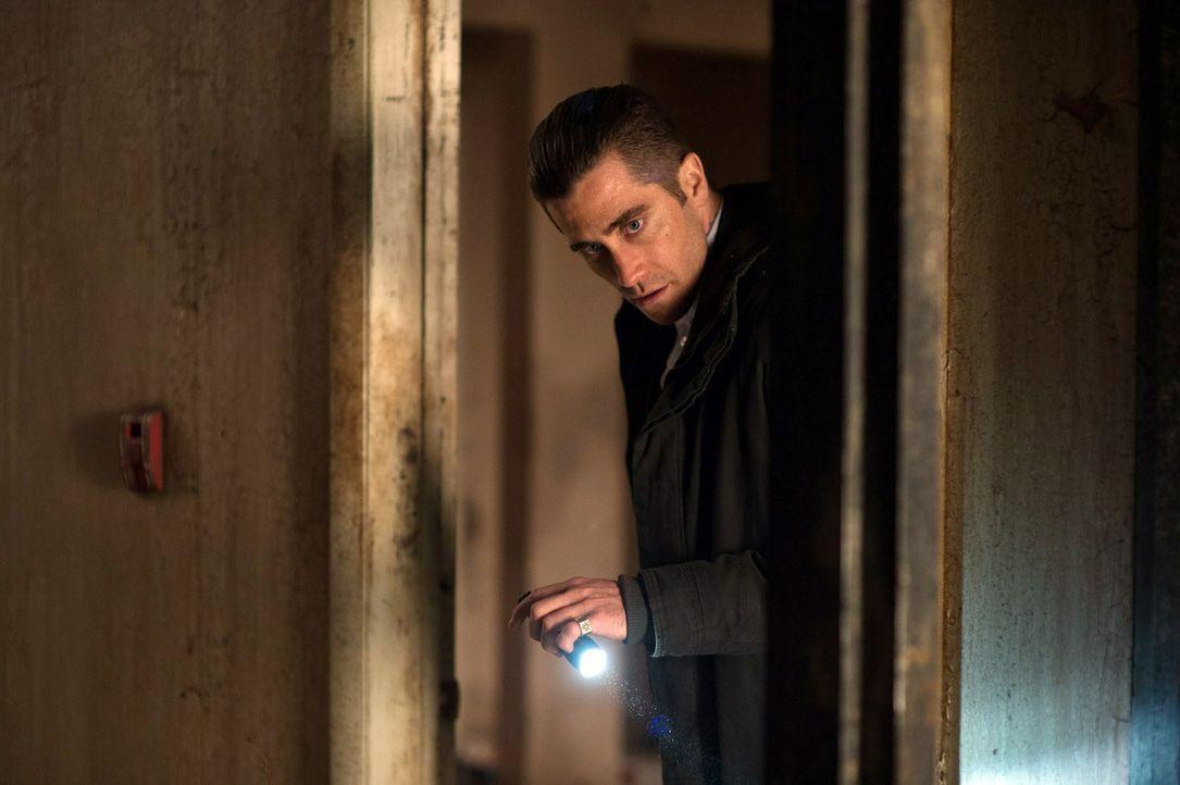 Jagt einen Kindesentführer, oder doch einen Mörder? Detective Loki (Jake Gyllenhaal) ... - Bildquelle: TOBIS FILM. ALL RIGHTS RESERVED
