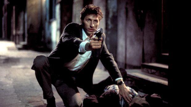 Erst spät wird Thomas (Rufus Beck) klar, dass er es mit hemmungslosen Killern...