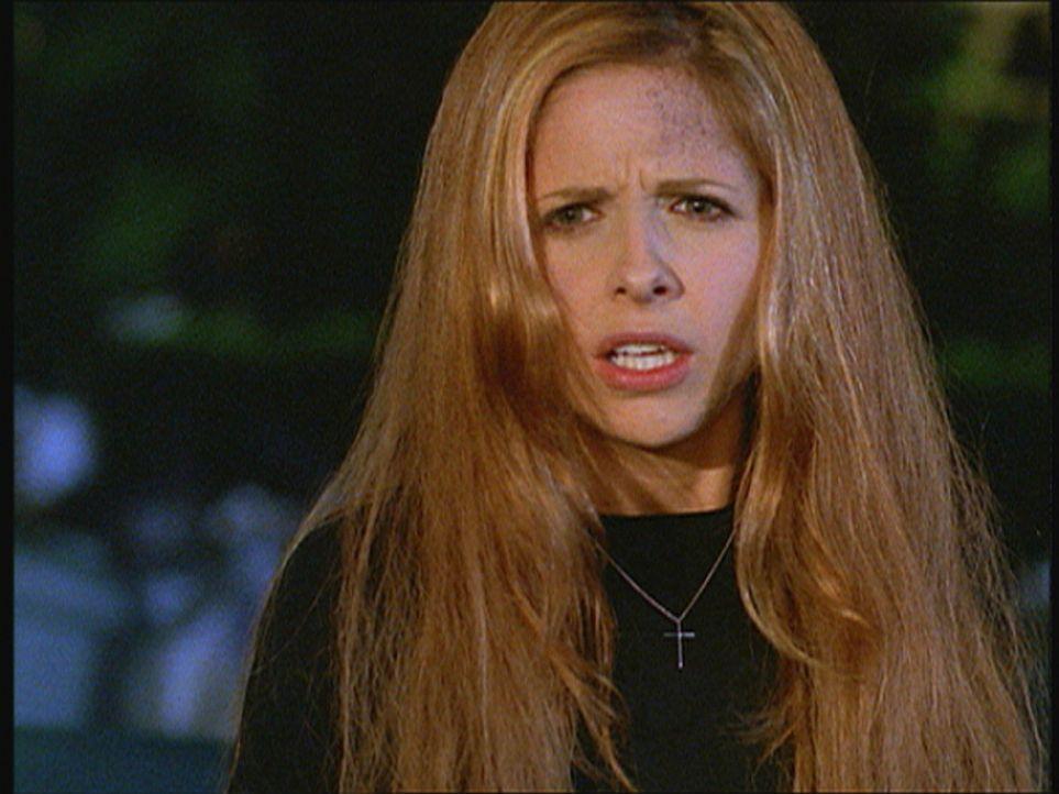 Die Freunde ahnen nicht, dass trotz der Unterbrechung des Erweckungsrituals, Buffy (Sarah Michelle Gellar) zum Leben erweckt wurde. Nachden sie sich... - Bildquelle: TM +   Twentieth Century Fox Film Corporation. All Rights Reserved.