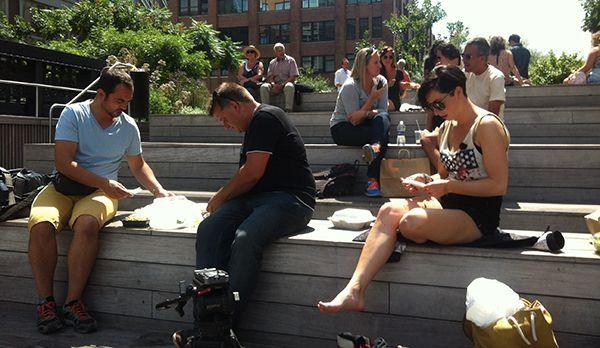 Kathy im High Line Park - Bildquelle: kabel eins