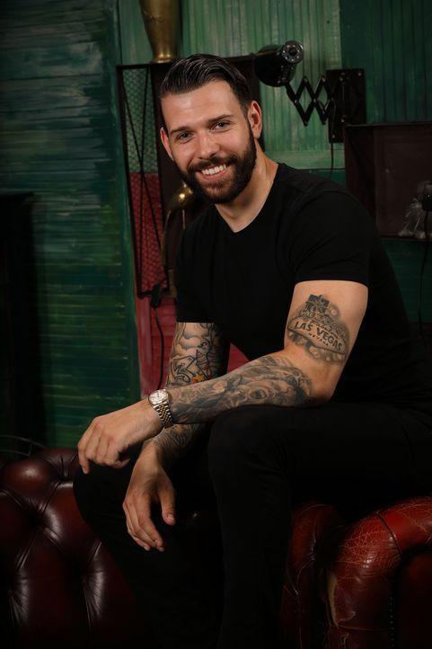 (4. Staffel) - Hat Tinte im Blut und möchte Menschen mit verpatzen Tattoos ein Cover Up bescheren: Jay ... - Bildquelle: Studio Lambert & all3media international