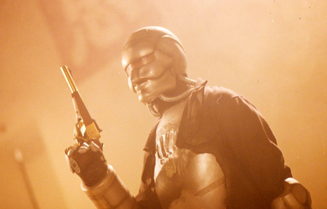 Eines Tages stiehlt der Mann mit der goldenen Waffe (Kam-Kong Wong) den Schädel des einzigen chinesischen Dinosaurier-Skelettes ... - Bildquelle: Splendid Film