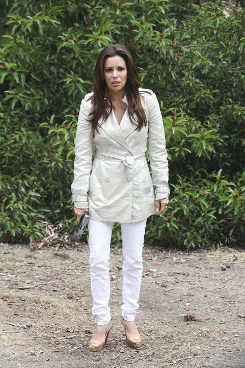 Während Renee erfahren muss, dass ihr Ex-Mann wieder heiratet, stellt Gabrielle (Eva Longoria) ihren Stiefvater Alejandro zur Rede ... - Bildquelle: ABC Studios