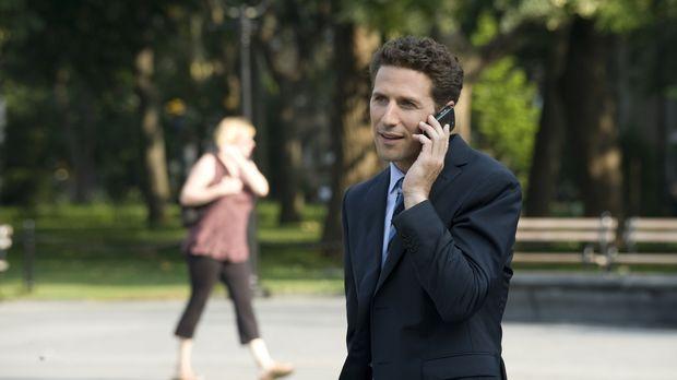In New York angekommen, versucht Hank Lawson (Mark Feuerstein) herauszufinden...