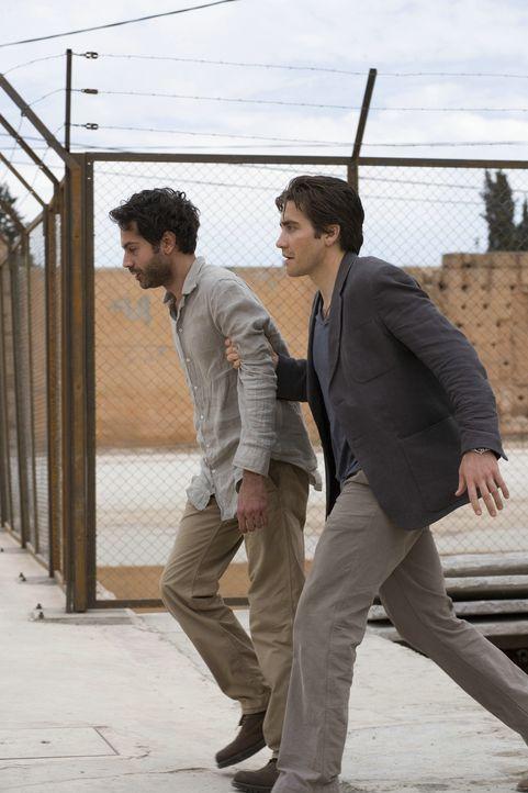 Ahnen nicht, was ihnen bevorsteht: Anwar El-Ibrahimi (Omar Metwally, l.) und Douglas Freeman (Jake Gyllenhaal, r.) ... - Bildquelle: Warner Brothers