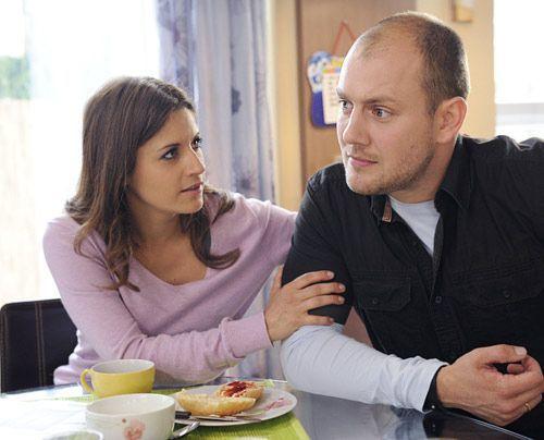 Piet spricht mit Bea über seine Angst vor einer festen Beziehung. - Bildquelle: Christoph Assmann - Sat1