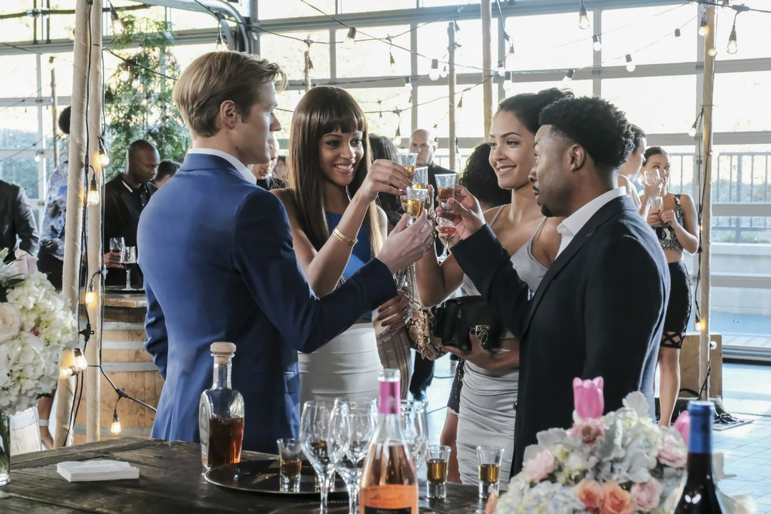 (v.l.n.r.)  Angus MacGyver (Lucas Till); Leanne Martin (Reign Edwards); Riley Davis (Tristin Mays); Wilt Bozer (Justin Hires) - Bildquelle: Guy D'Alema Guy D'Alema/CBS   2017 CBS Broadcasting, Inc. All Rights Reserved.