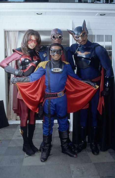 Eine fast ganz normale Familie: Scott (Michael Pagan, vorne), Bronze Eagle (Robert Townsend, r.), Warrior Woman (Alex Datcher, l.) und Silver Charge... - Bildquelle: Disney