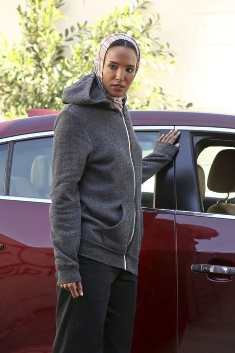 Ihr Leben ist in großer Gefahr. Doch schafft es das NCIS-Team, Jada Khaled (Ella Thomas) zu retten? - Bildquelle: Monty Brinton 2015 CBS Broadcasting, Inc. All Rights Reserved.