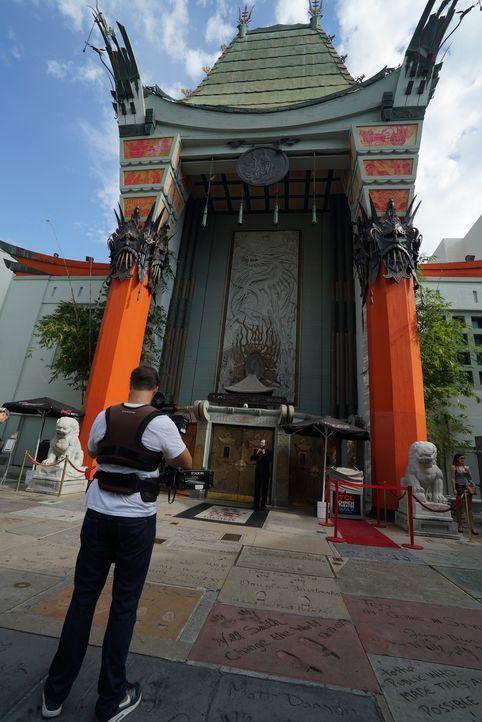 Neben dem berühmten Chinese Theatre (Bild) bietet der Hollywood Boulevard noch weitere Attraktionen, wie das einzigartige Roosevelt Hotel oder die M... - Bildquelle: Indigo Films/ DCL