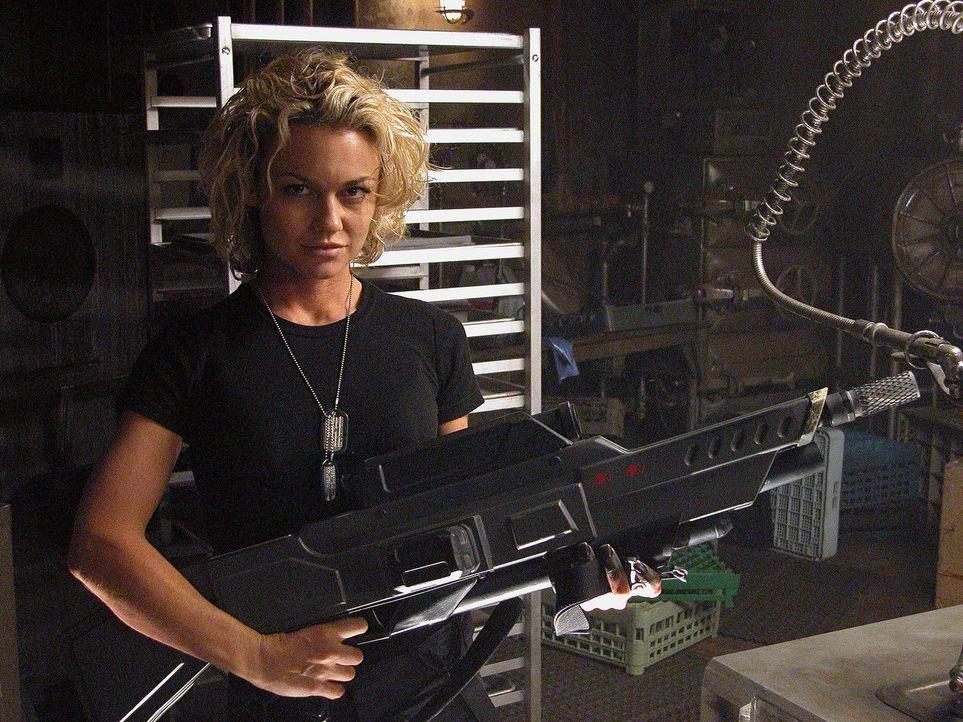 Attraktiver Schädlingsbekämpfer: Charlie (Kelly Carlson) ... - Bildquelle: Sony Pictures