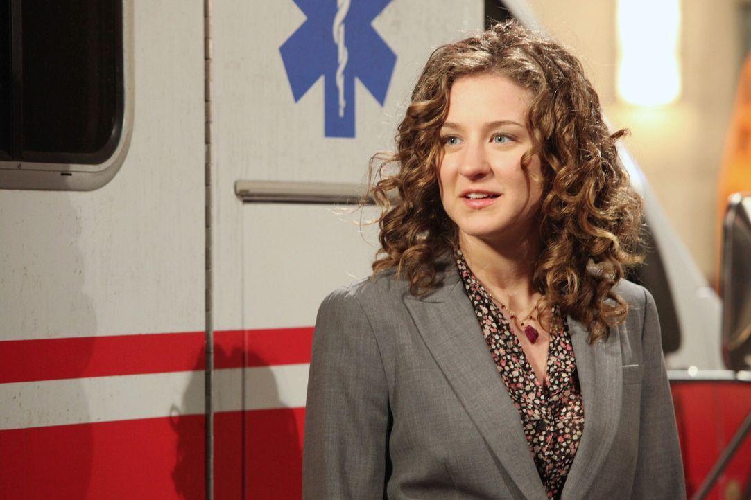 Überraschender Besuch: Mark Greenes Tochter Rachel (Hallee Hirsh) ist zu Besuch im County. Sie bewirbt sich um einen Praktikumsplatz im Krankenhaus... - Bildquelle: Warner Bros. Television