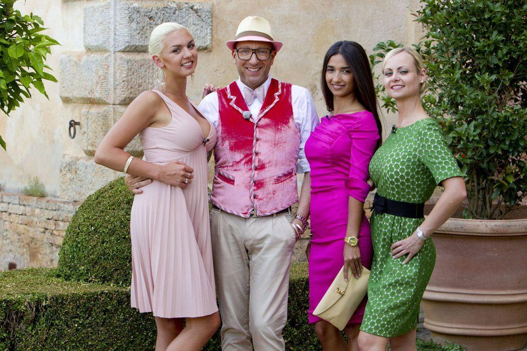 Natalia (l.), Mariana (2.v.r.) und Denise (r.) freuen sich über den Besuch von Thomas Rath ... - Bildquelle: Richard Hübner ProSieben