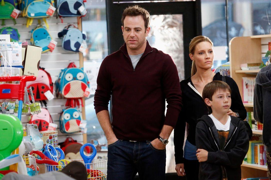 Sind sich nicht immer ganz einig: Cooper (Paul Adelstein, l.), Charlotte (KaDee Strickland, M.) und Mason (Griffin Gluck, r.) ... - Bildquelle: ABC Studios