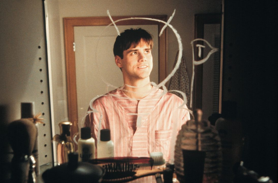 Er ahnt nicht, dass sich die ganze Welt gegen ihn verschworen hat. Alles ist nur eine gewaltige TV-Show: Truman (Jim Carrey) ... - Bildquelle: Paramount Pictures