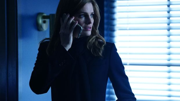 Castle - Während ihren Ermittlungen stößt Beckett (Stana Katic) auf eine Verb...