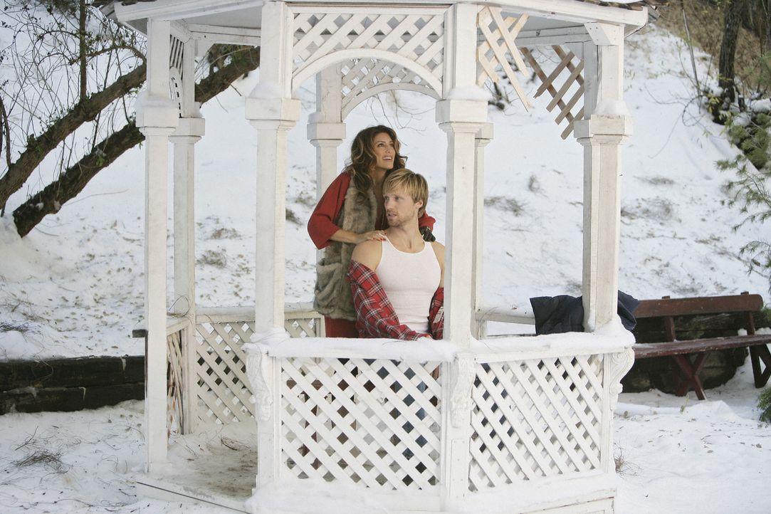 Was ist mit Brad (Teddy Sears, r.) und Andrea (Jennifer Esposito, l.) nur los? - Bildquelle: 2008 American Broadcasting Companies, Inc. All rights reserved.