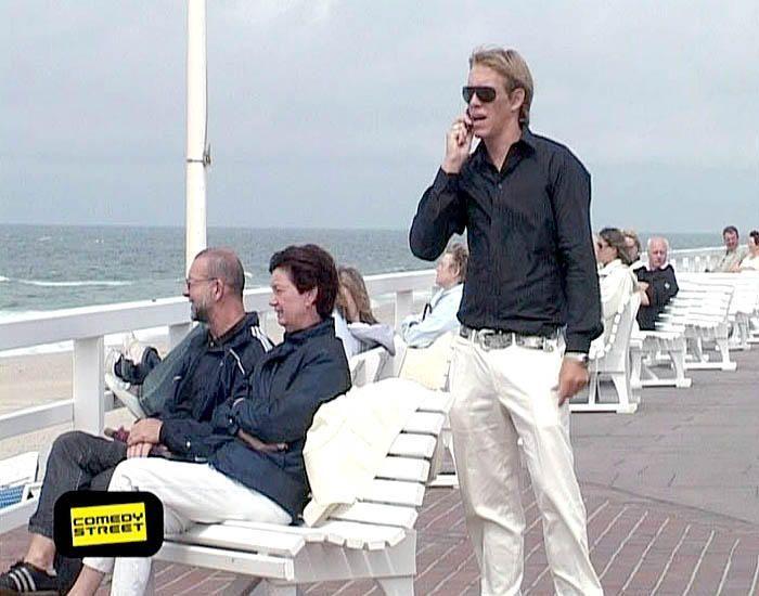 comedystreet-st-04-epi-03-grab-simon-gosejohann-08-prosiebenjpg 700 x 550 - Bildquelle: Guido Ohlenbostel ProSieben