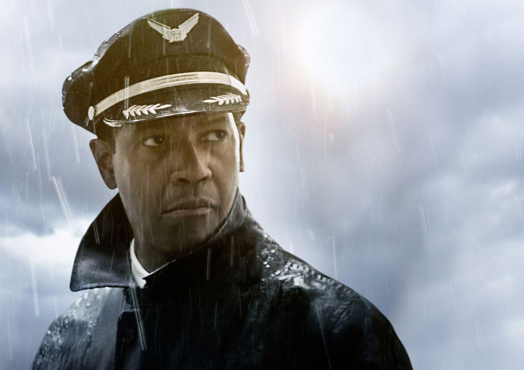 Der als Held gefeierte Pilot Whip Whitaker (Denzel Washington) muss auf einmal um seine Karriere bangen, als bekannt wird, dass er ein waghalsiges M... - Bildquelle: 2012 PARAMOUNT PICTURES. ALL RIGHTS RESERVED.
