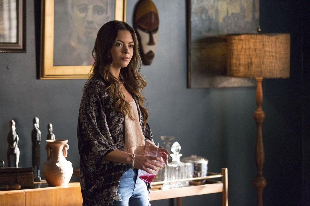 Fasst einen tödlichen Plan, um Damon und Stefan unter Druck zu setzen: Nora (Scarlett Byrne) ... - Bildquelle: Warner Bros. Entertainment, Inc.