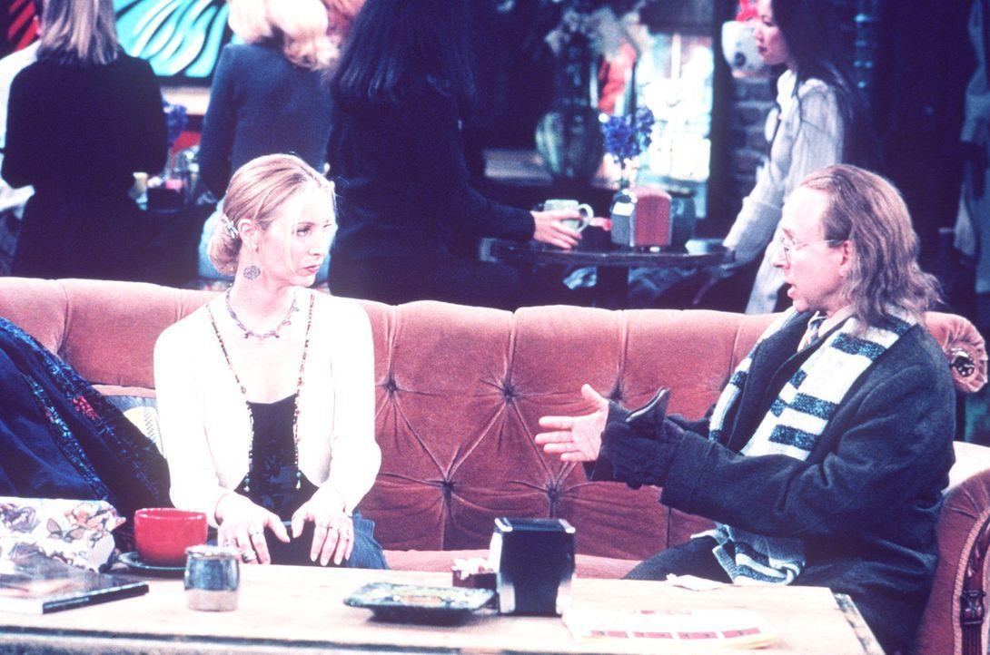 Phoebe (Lisa Kudrow, l.) lernt endlich ihren Vater (Bob Balaban, r.) kennen ... - Bildquelle: TM+  2000 WARNER BROS.