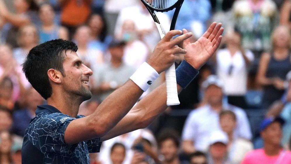 Djokovic besiegt Sousa souverän in drei Sätzen - Bildquelle: AFPSIDTIMOTHY A. CLARY