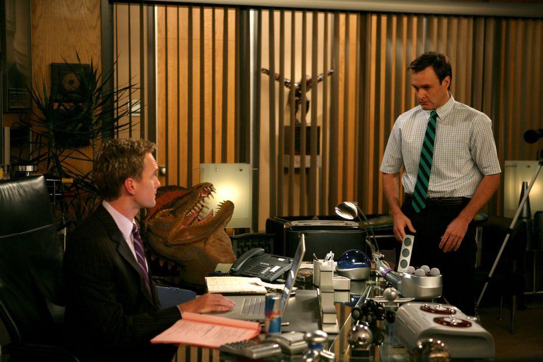 """Während Ted ein romantisches Wochenende mit Stella verbringen möchte, ist Barney (Neil Patrick Harris, l.) auf der Suche nach einem neuen """"Bro"""", w... - Bildquelle: 20th Century Fox International Television"""