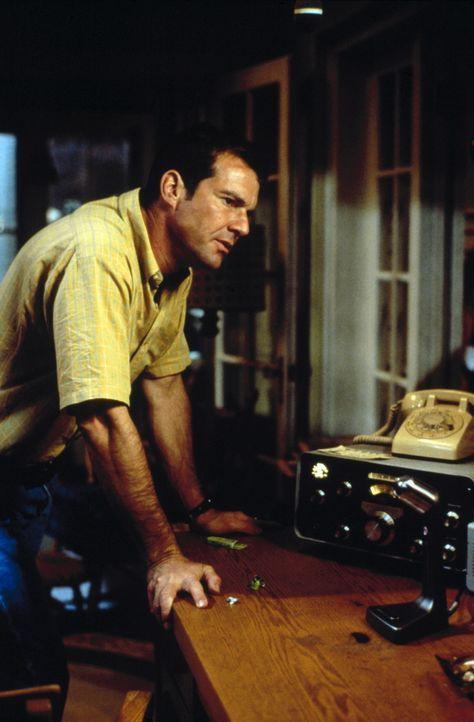 Aufgrund starker Sonnenexplosionen fängt sein Radiofunkgerät intensive Frequenzen auf. Da erhält Frank (Dennis Quaid) eine unglaubliche Funk-Warn... - Bildquelle: New Line Cinema