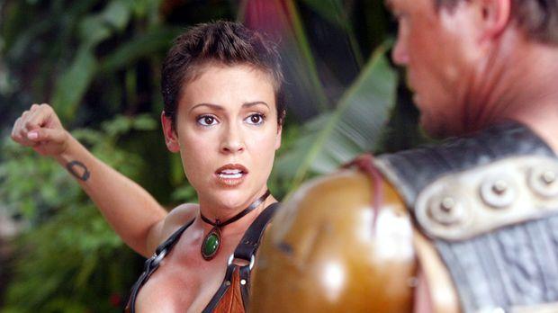 Phoebe (Alyssa Milano, l.) entdeckt an sich eine ganz neue Fähigkeit ... © Pa...